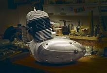 Rok Péráka: Montáž motoru