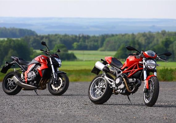 Ducati Monster 1100 vs. Honda CB1000R