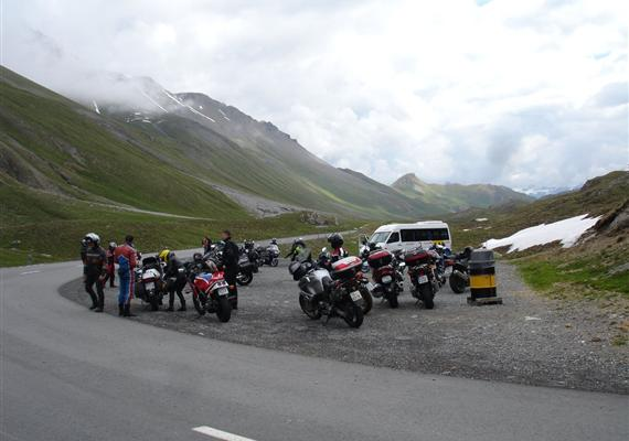 Švýcarské radovánky na motorce