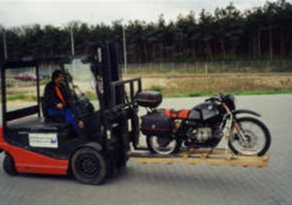Doprava motocyklů přes velkou louži