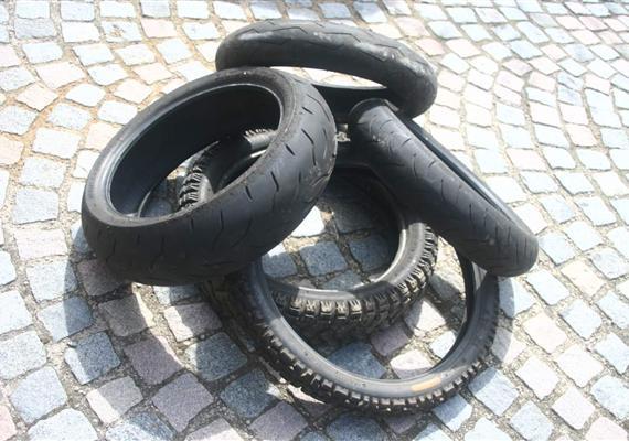Ideální guma neexistuje. Vybírejte podle zkušeností ipodle jízdního stylu.