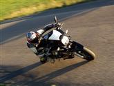 Dostihový býk -Moto Guzzi 1200 Sport