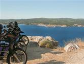 Do Černé Hory -přes silnice ve skalách, zátoky ikolem minových polí
