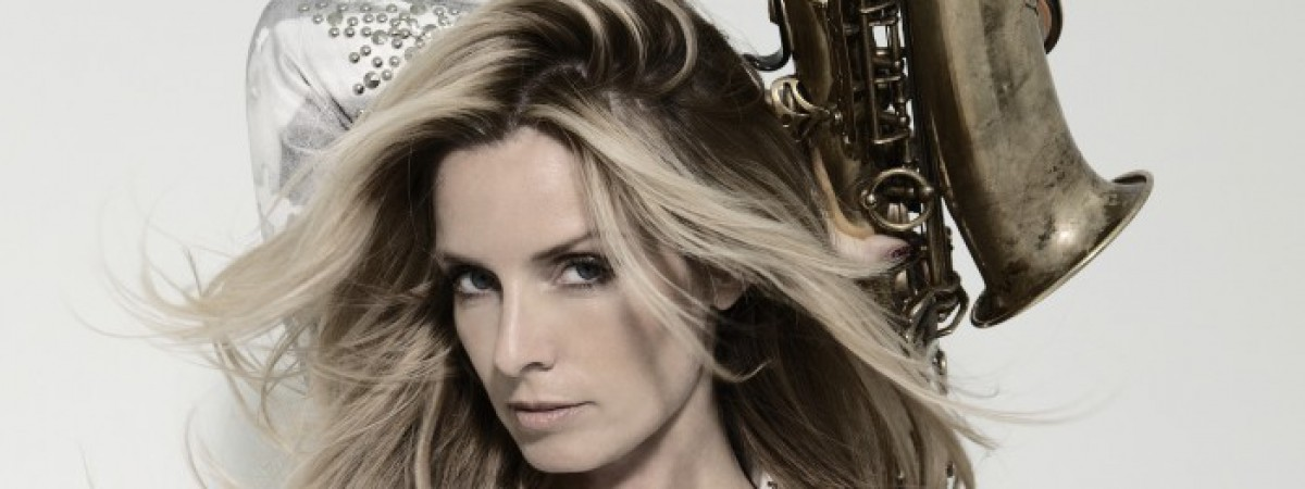 Nizozemská zpěvačka a saxofonistka Candy Dulfer v pátek vystoupí v Praze