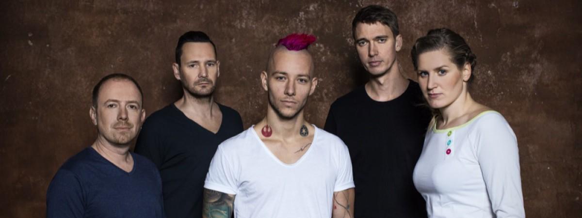 Populární elektronická kapela Skyline míří s novou  deskou do Prahy, tradiční předvánoční mejdan odehrají v  Roxy 15. 12.
