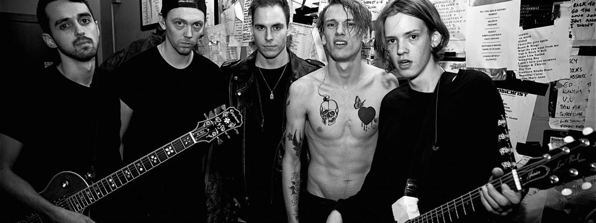 Counterfeit po včerejší strhující show ve vyprodaném Rock Café zamíří v červnu na Aerodrome Festival