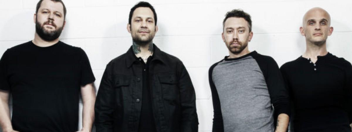 Rise Against zpívají s vlky