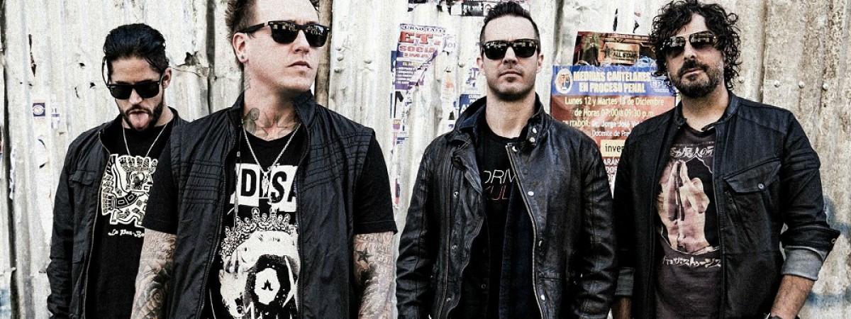 V září přivezou Papa Roach do Prahy novou desku a Franka Cartera