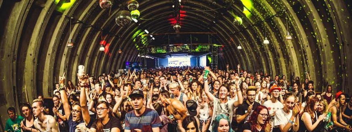 Nouvelle Prague Hangar na Rock for People nabídne diskuze, workshopy i soutěž ve hře na imaginární kytaru
