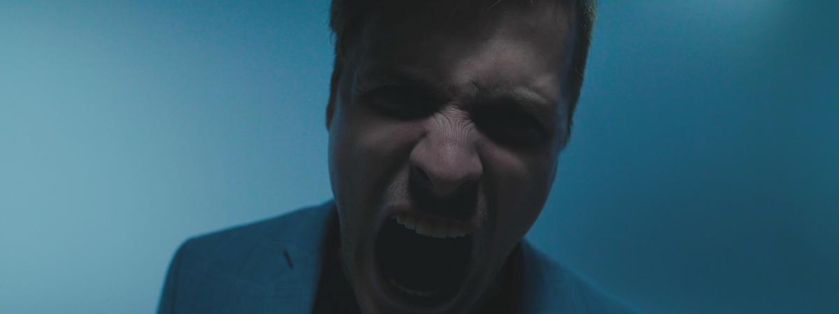Jak by zněla kombinace Linkin Park, Billy Talent a Katy Perry? Seznamte se s novým singlem John Wolfhooker.