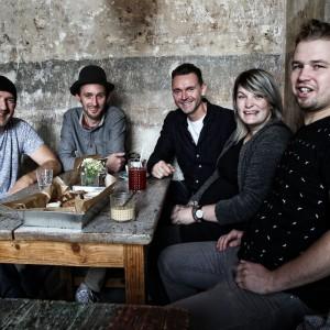 Živé studiové videoalbum prezentuje kapela Gingerhead