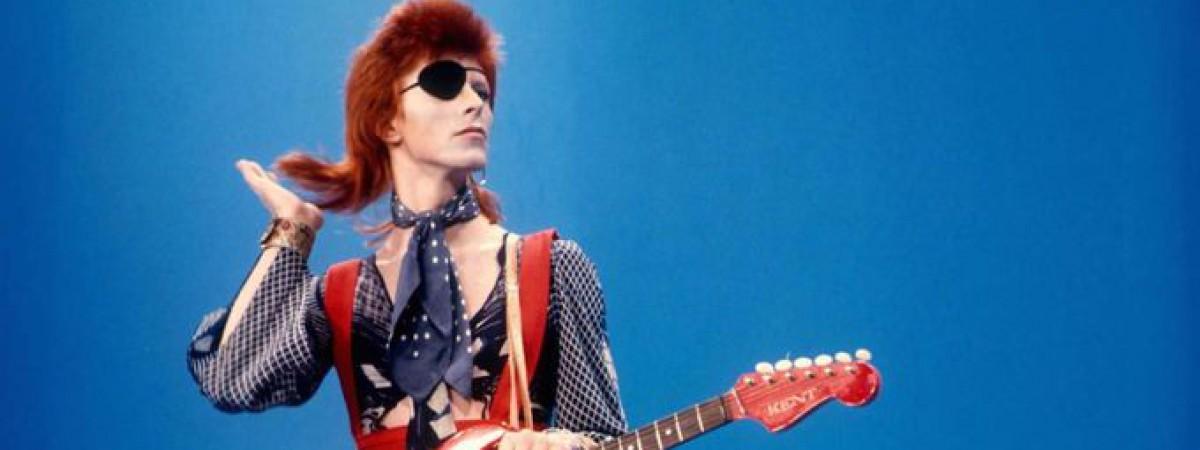 David Bowie bude mít v Aylesbury sochu
