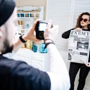 Lenny singlem Enemy předznamenává albovou novinku