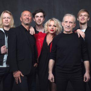 Čechomor slaví třicet let existence na turné. To zahrne i koncerty s Kumpanovými muzikanty