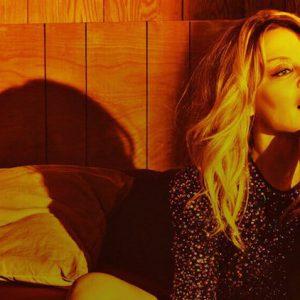 [Rock&Pop 05/18] Kylie Minogue: Návod, jak stárnout s grácií a dělat u toho kvalitní hudbu