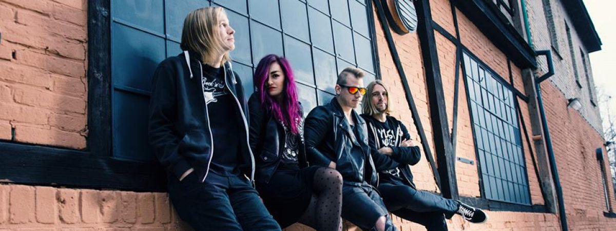 Nový singl a videoklip hlásí kapela Dirty Blondes