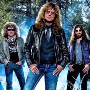 Na novince kapely Whitesnake si každý přijde na své, říká její kytarista