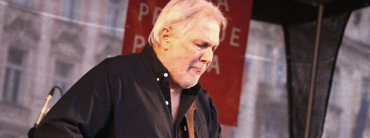 Kytarista Luboš Andršt oslaví sedmdesátku na pódiu Lucerna Music Baru
