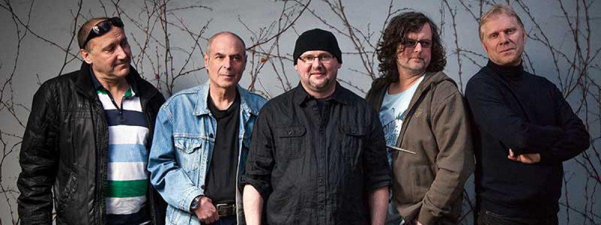 Ekompilace se koná už pošesté. Headlinerem celé tour je skupina Buty a David Stypka & Bandjeez