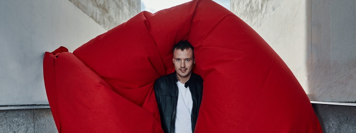 Michal Kindl se představí jako host Acoustic tour Davida Kollera