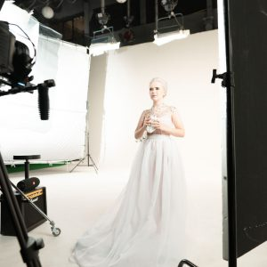 Mladá zpěvačka Katie Kei slavila úspěchy vAmerice a nyní se chystá svým novým singlem dobýt Česko