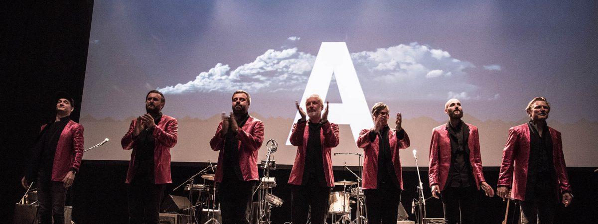 Singlem Amerika se připomíná originální soubor Kafka Band