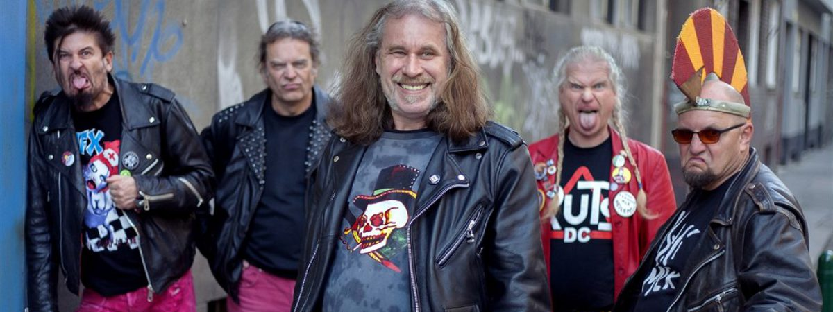 Visací Zámek a SPS vyráží opět na společné turné FOREVER PUNK TOUR II. 2019