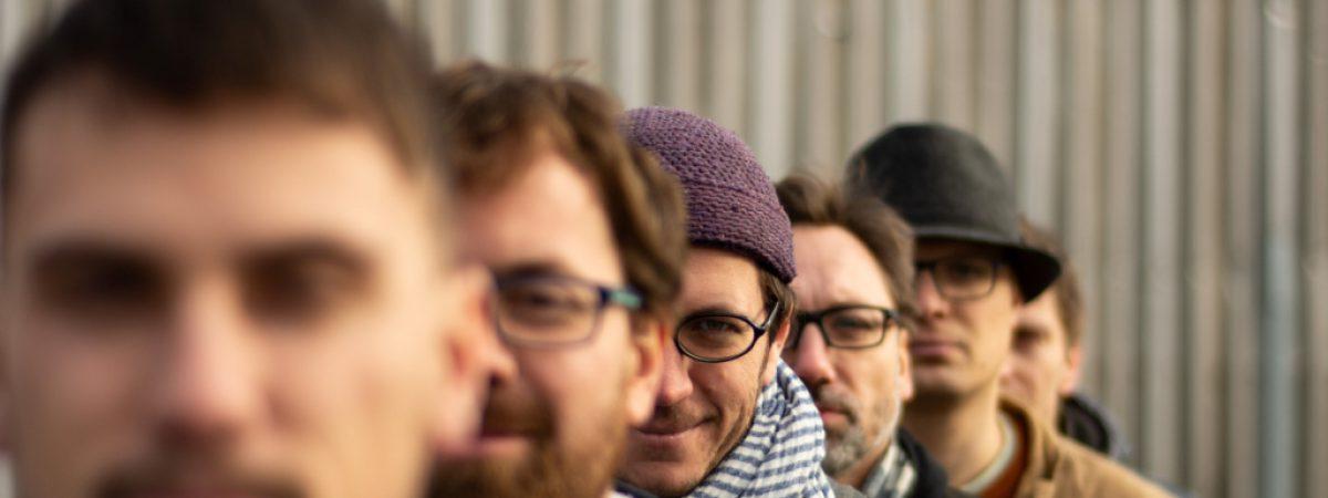 Třetí řadové album přidala do své diskografie skupina Listolet