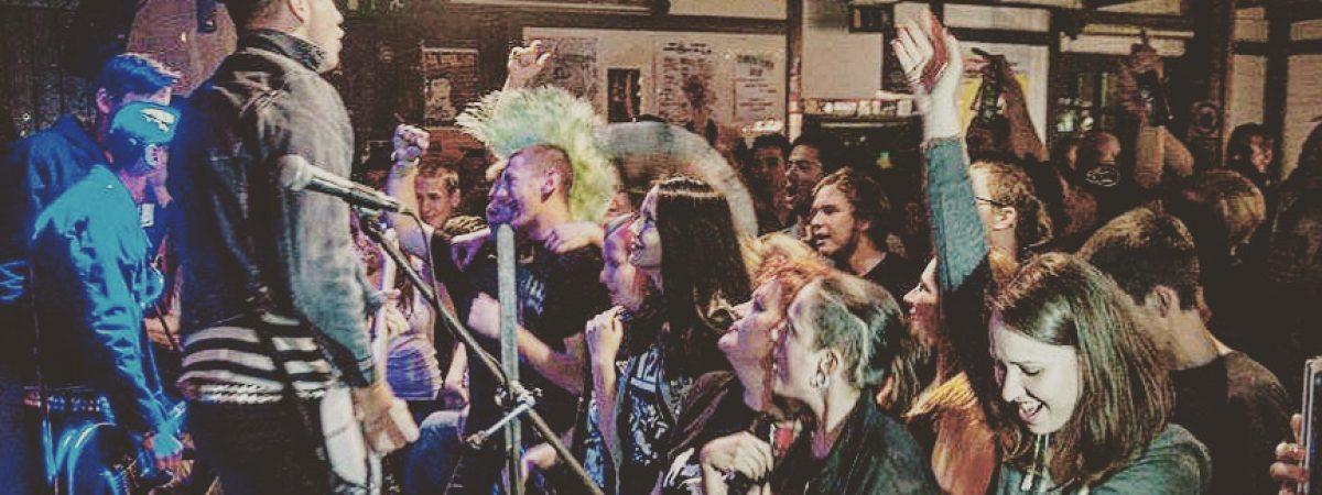 S koncem školního roku je tu i Za koule Punk Fest