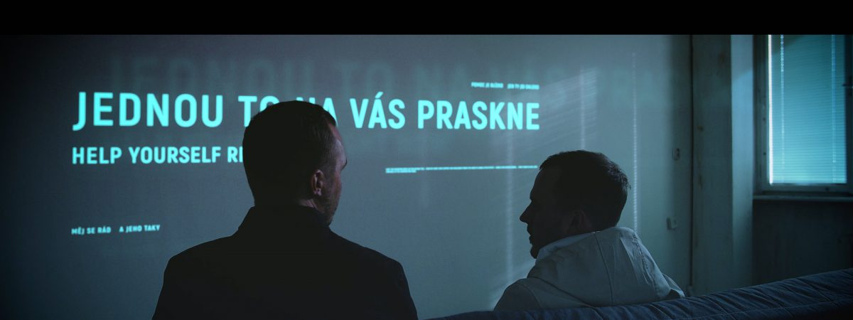 Skupina Dalekko se v novém klipu pouští do tématu rozpadu mezilidské komunikace