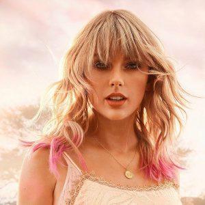 Taylor Swift slaví úspěchy s albem Lover