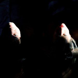 Kapela Trojky se novou písní a videoklipem dotýká temné minulosti nás všech