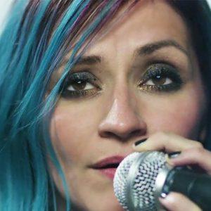 Breaking Benjamin představili výsledek spolupráce s bývalou zpěvačkou Flyleaf