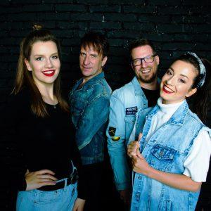Britský producent Clint Murphy začíná natáčet singly s kapelou Napořád