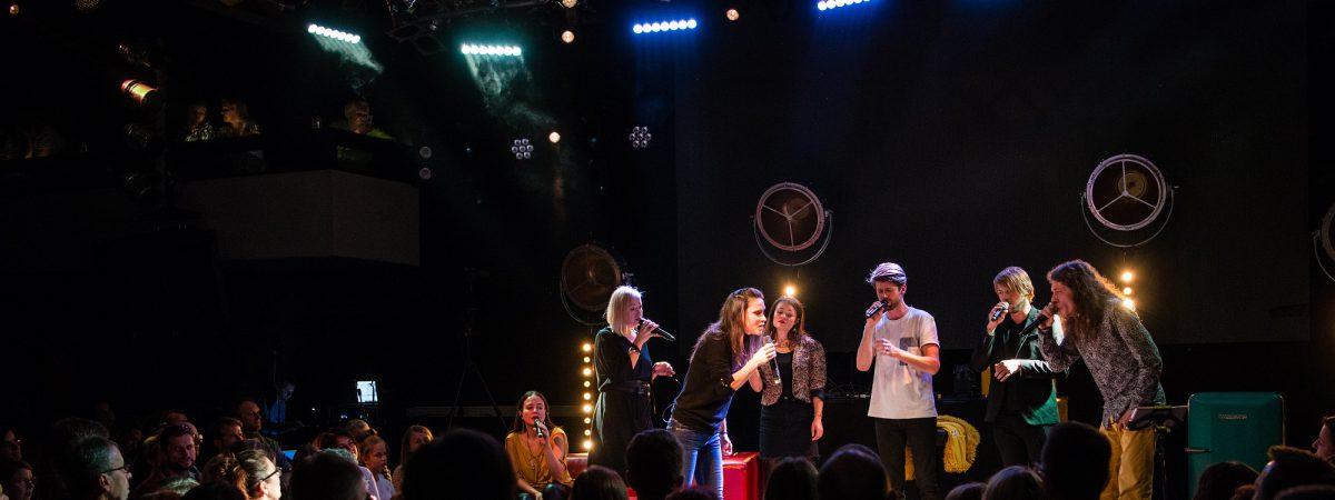 Vokální soubor SKETY vydává live album s hostujícími Lenkou Dusilovou a Vojtěchem Dykem