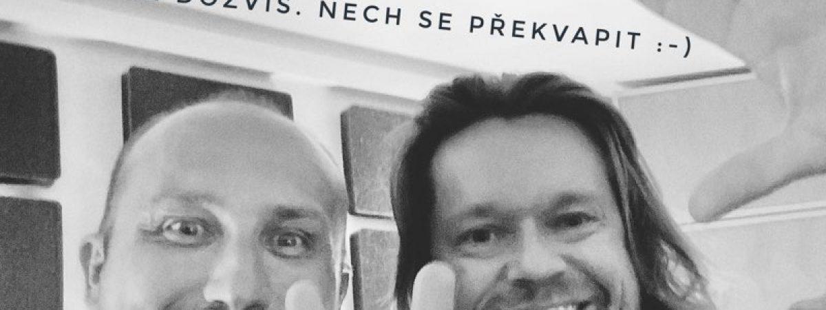 Mirai Navrátil, Richard Krajčo, David Stypka, Eva Dřízgová a další interpreti společně nazpívají písničku na podporu čtení dětem