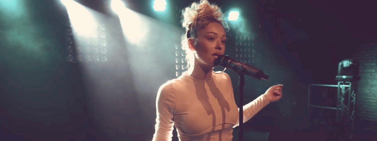 Zpěvačka Lucia Gibarti (Hrdza) přichází se sólovým projektem