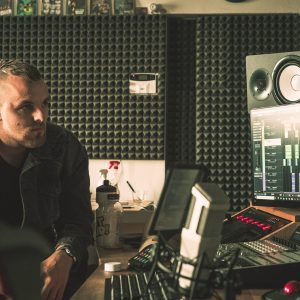 Třetí album vydal streamer a interpret DeeThane