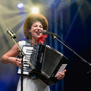 Písničkářka KACZI se podělí o živé album i singlový videoklip