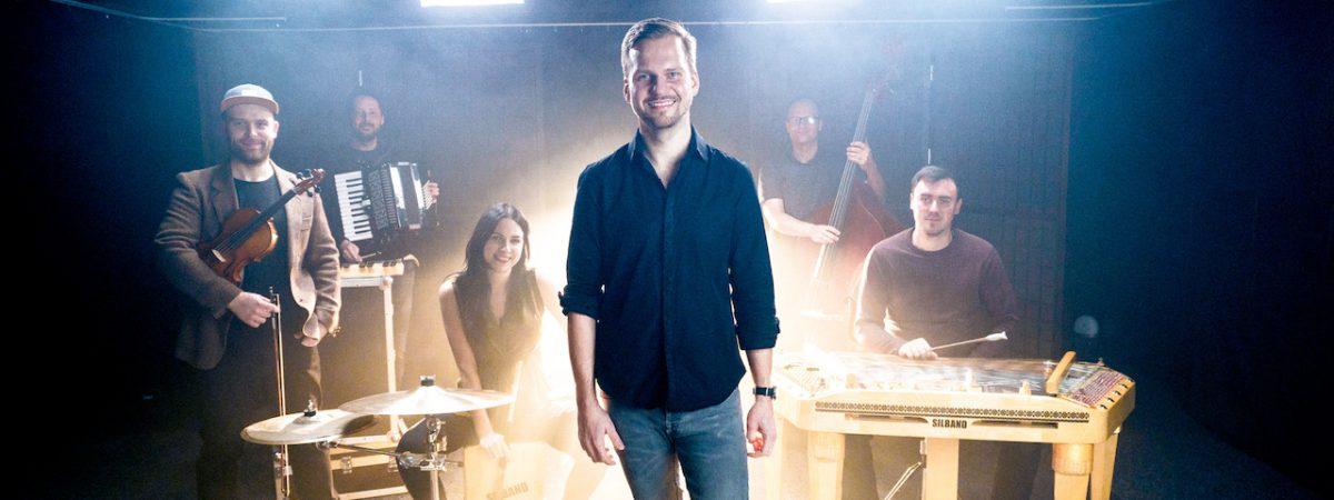 Martin Chodúr vydává vánoční píseň Síla mít rád
