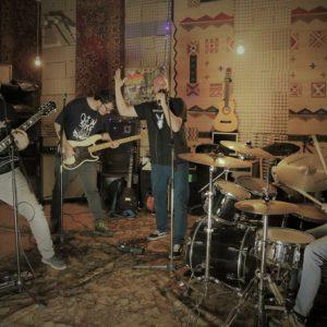 Punk-trashová kapela Zotrwačnosť vydává po pěti letech jubilejní album XX