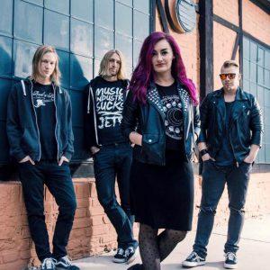 Dirty Blondes vydávají nový klip k písni Get Your Shit Together