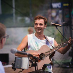 Juraj Hnilica pokřtil své třetí album ve velkém stylu
